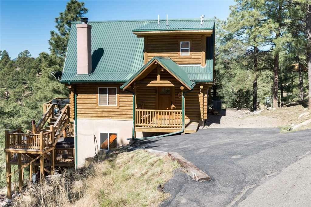 319 Valley View Dr.. Hotel of Ruidoso